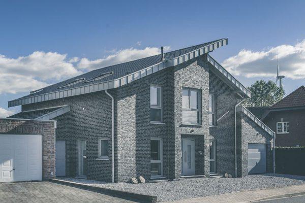 Einfamilienhaus in Houverath